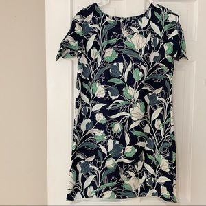 NEVER WORN - Banana Republic floral shift dress
